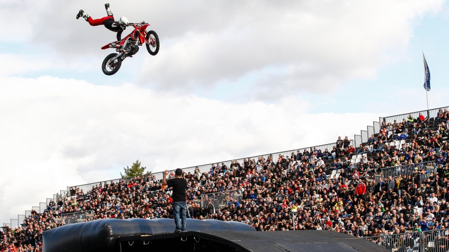 WorldSBK, Magny-Cours MX Show