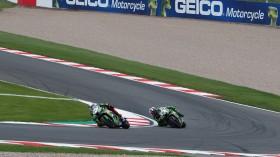Toprak Razgatlioglu, Leon Haslam, Kawasaki Puccetti Racing, Donington RAC1