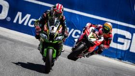 Jonathan Rea, Kawasaki Racing Team WorldSBK, Chaz Davies, Aruba.it Racing - Ducati, Laguna Seca RAC1