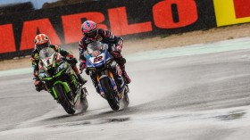 Jonathan Rea, Kawasaki Racing Team WorldSBK, Alex Lowes, Pata Yamaha WorldSBK Team, Misano RACE 1