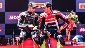 Jonathan Rea, Kawasaki Racing Team WorldSBK, Toprak Razgatioglu, Turkish Puccetti Racing, Laguna Seca RACE 2
