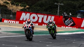 Tom Sykes, BMW Motorrad WorldSBK Team, Leon Haslam, Kawasaki Racing Team WorldSBK, Laguna Seca RACE 2