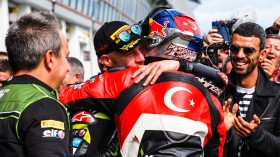 Jonathan Rea, Kawasaki Racing Team WorldSBK, Toprak Razgatioglu, Turkish Puccetti Racing, Magny-Cours RACE 1