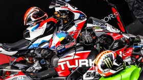 WorldSBK, Magny-Cours RACE 1