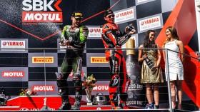 Alex Lowes, Kawasaki Racing Team WorldSBK, Scott Redding, Aruba.it Racing - Ducati, Phillip Island RACE 1