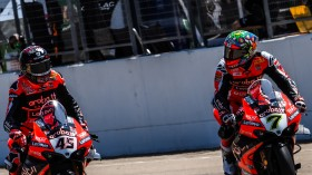 Scott Redding, Chaz Davies, Aruba.it Racing - Ducati, Aragon RACE 1