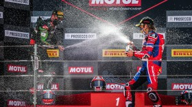 Jonathan Rea, Kawasaki Racing Team WorldSBK, Alvaro Bautista, Team HRC, Aragon RACE 2