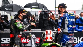 Jonathan Rea, Kawasaki Racing Team WorldSBK, Loris Baz, Ten Kate Racing Yamaha, Magny-Cours RACE 1