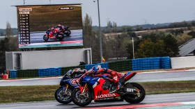 Toprak Razgatlioglu, Pata Yamaha WorldSBK Official Team, Leon Haslam, Team HRC, Magny-Cours RACE 1