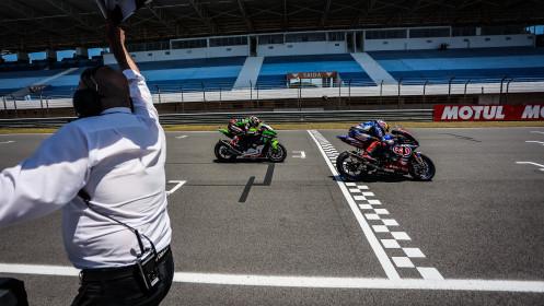 Toprak Razgatlioglu, Pata Yamaha with BRIXX WorldSBK, Jonathan Rea, Kawasaki Racing Team WorldSBK, Estoril RACE 1