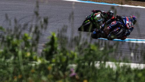 Toprak Razgatlioglu, Pata Yamaha with BRIXX WorldSBK, Alex Lowes, Kawasaki Racing Team WorldSBK, Estoril RACE 2