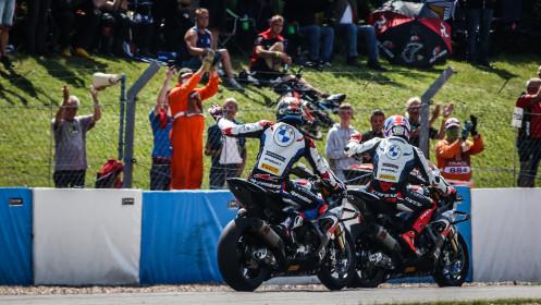 Michael van der Mark, Tom Sykes, BMW Motorrad WorldSBK Team, Donington RACE 1