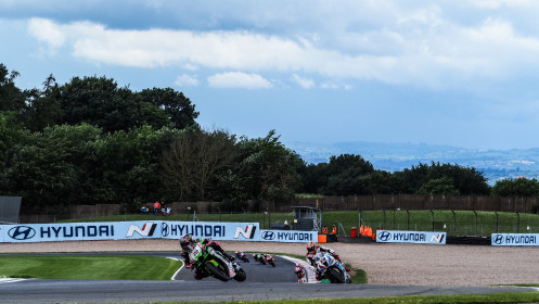 Alex Lowes, Kawasaki Racing Team WorldSBK, Michael van der Mark, BMW Motorrad WorldSBK Team, Donington RACE 2