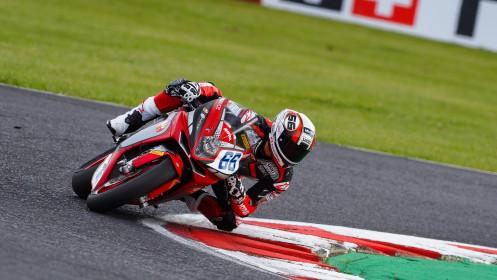 Niki Tuuli, MV Agusta Corse Clienti, Most RACE 1