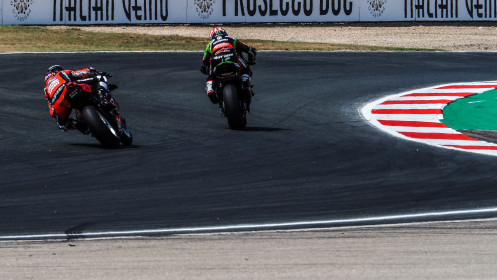 Jonathan Rea, Kawasaki Racing Team WorldSBK, Scott Redding, Aruba.it Racing - Ducati, Navarra RACE 2