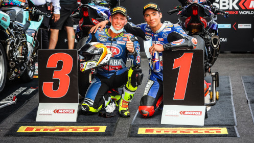 Toprak Razgatlioglu, Andrea Locatelli, Pata Yamaha with Brixx WorldSBK, Magny-Cours RACE 1